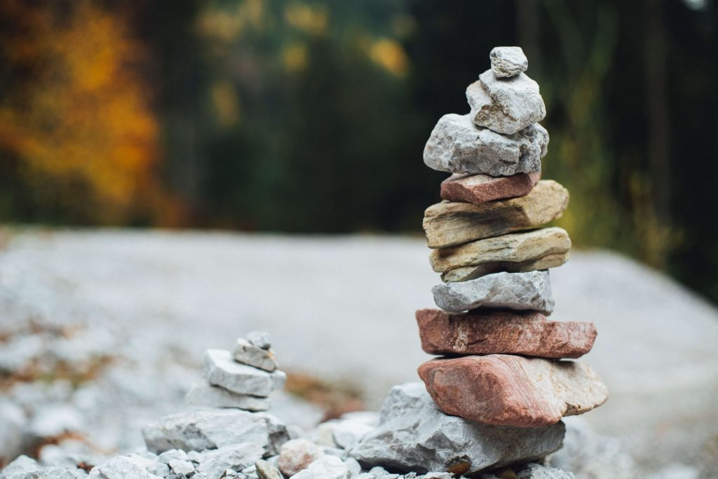 A pile of stones ranked by size